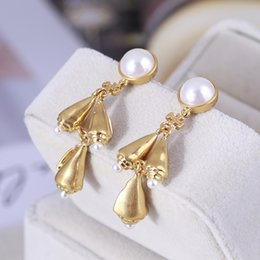 Discount mother pearl heart pendant Top brass material drop earring with pearl and metal pendant shape in 6.3cm for women gift wedding jewelry PS6648