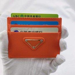 Titular de tarjetas de crédito Bolsas de cuero Pasaporte Cubierta Cubierta Mini bolsillo Viajes de bolsillo para hombres Monedero Caso Monedero Cartera de belleza en venta