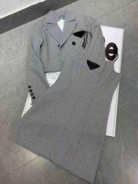 Vente en gros Femmes Two Pieces Robe Trains Tracksuit avec motif de lettre Pull et jupes Set Style de laine de laine Choses pour dame Pulls Robes Dets Robes Ensembles Taille S-L