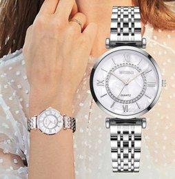 CWP 2021 Vendita Orologio da quarzo oro Vestito Temperamento di moda Semplici orologi Classic Lega in lega di acciaio Band da polso da donna in Offerta