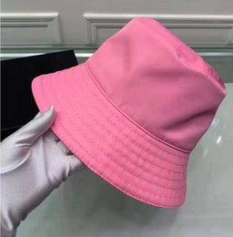 Опт Женщины рыболова шляпа инвертированные треугольники буквы повседневные моды уличные бассейна шляпа мужчин японский солнцезащитный крем солнечные шляпа прилив 2021