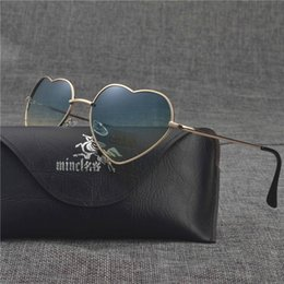 peach sunglasses women Canada - Sunglasses Mincl  Fashion Lovely Heart Sunglasses Women Men Peach Shape Ocean Lenses Sun Glasses Round Uv400 Fml