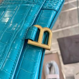 designer bag factory UK - Factory Hourglass Bag New Style Hand Shoulder cross flip fashion women's arc bag V6E9