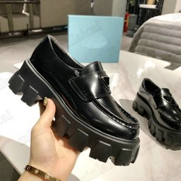 Monolith Chunky Tjock Gummi Sole Loafers Womens Designers Kalv Läder Höjd Ökande Sneaker Casual Shoe Triangle Logo Plaque För Kvinnor