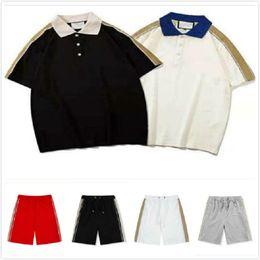 Мужские трексуиты Летние костюмы повседневные поло + классические шорты мужские наружные наборы молодежные моды спортивные мужчины две части костюма печати футшевки на Распродаже