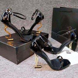 Опт Классика Женская обувь каблуки сандалии мода пляж толстые нижние платья обувь алфавит леди сандал кожаный высокий каблук домой011 08