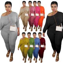 Vente en gros Automne Plus Taille Tracksuits Sexy Outfits à manches longues Design Casual Couleur Solide Tracksuit Ensemble de deux pièces