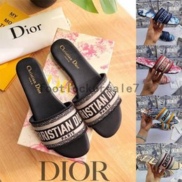 Wholesale Christianes Women Sandals Slippers Embroidery Designers Slides Sandal Flip Flops Striped Beach Leather Rubber Flower Slipper Loafers 2021 With Box 35-41