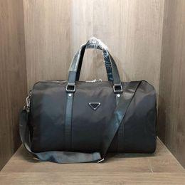 最高品質の男性ファッションダッフルバッグトリプルブラックナイロントラベルバッグメンズハンドル荷物紳士ビジネストートショルダーストラップレイブレビューH01