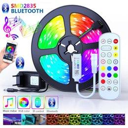 Tiras de LED Bluetooth Luzes WiFi 2835 Não impermeável com App Telefone Contro RGB Fita Flexível LEDs Fita 5m 10m 15m 30m em Promoção