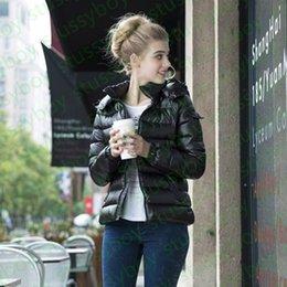 Vente en gros Mode Womens Parka Glossy Down Jacket Hood Style Britannique Noir Femmes Cheveux Manteaux Doudoune Femme Noir Black Matte Hiver Down Coat Parkas