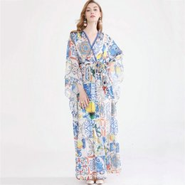 runway printed silk dress Australia - The latest high-quality five-point sleeve V-neck printed silk holiday dress in Europe and America