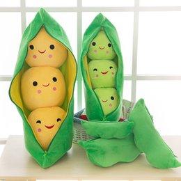Venta al por mayor de 25 cm Edamame Posqueas de peluche de juguete lindo verde amarillo guisante relleno de animales suave almohada muñeca decoración del hogar regalos de cumpleaños al por mayor al por mayor