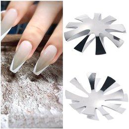 Großhandel Multi-Size-Nagelschablonen für Maniküre-Vorlagen 2021 Mode Edelstahl Französisch Vorlage Werkzeuge DIY Nails Dekoration