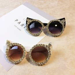 Discount cat eye frames rhinestones Women Luxury Sunglasses Brand Designer Luxury Rhinestone Sexy Cat Eyes Sunglasses Vintage Shades Eyewear