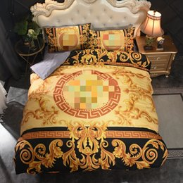 Fashion queen size designer bedding set covers printed gold duvet cover luxury bed sheets 2pcs Pillowcases on Sale