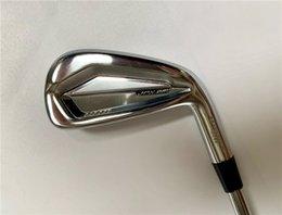 8PCS JPX921 Golfklubbar JPX921 Järnuppsättning JPX921 Golf Smidda Irons Golfklubbar 5-9PGS R / S Flex Steel Shaft med huvudskydd