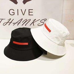 2021 Bucket Hat Mens Mulheres Moda Fitted Sports Beach Paizinho Pescador Bonés Bonés Bonés Bone Snapback em Promoção