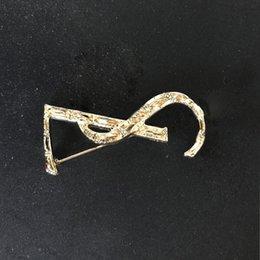 Elektropläterad Brosch för män och kvinnor Personlighet Mångsidig Guld Silver LS Western-Neck Sweater Klänning Tillbehör