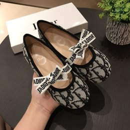 2021 kızlar ayakkabı çocuk moda sevimli bale ayakkabı tasarım baskı prenses düz hafif kız sneaker