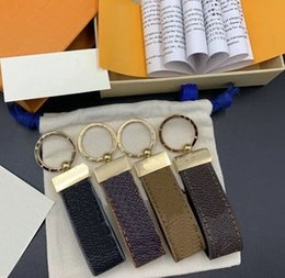 2021 Fashion designer luxurys designers keychain brand mens gold buckle key chain car cute keychains ladies pendant charm women womens men accessories bags on Sale