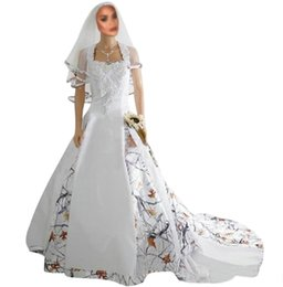 2021 Women Long White Beading Gowns Camo Satin Wedding Sweetheart Lace Appliques Bridal Dresses Lace-Up Back With Veil Camouflage Sweep Train on Sale