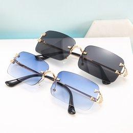 Designer Women's Sunglasses UV400 Antireflection Eyeglasses Frameless Resin Lenses Double Beam Trimming Glasses Eyewear High Definition Sunglasses With Box