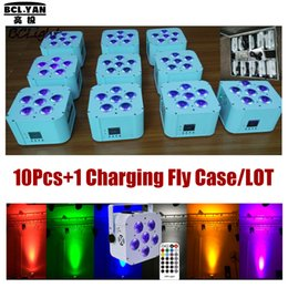 (10 ADET + 1 Fly Kılıf / Lot) Kablosuz DMX Par Işık RGBWA + UV 6x18W Yıkama Up Leghting IR Kontrol LED Pille Kumandalı Aydınlatma