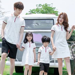 matching couple outfit 2021 - 2020 Family matching outfits summer Polo T shirt Parent-Child Matching clothes Family look Mother-Daughter Dress couple clothes 210418