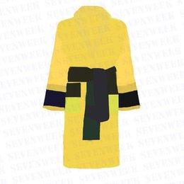 コットンメンズ女性バスローブスリープロングローブレタープリントカップルスリープローブナイトガウン冬暖かいユニセックスパジャマ5色