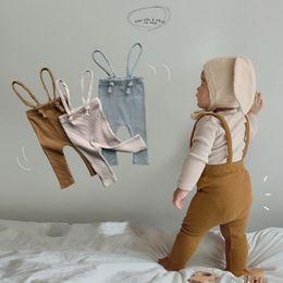 Pantalons nouveau-nés Leggings coton côtelé pour bébé Girl Gallings Bandes Bandes Pantalons 3 Couleurs 2021 Printemps Nouveau Arrivel 956 Y2 en Solde