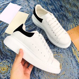 ingrosso colore blu-2021 Scarpe casual Black Velvet Bianco Rosso Reflective LaCer Blue Yellow Rainbow Multi Colour Borgogna Tail Altezza Piattaforma Piattaforma Scarpa Uomini Donne Sneaker