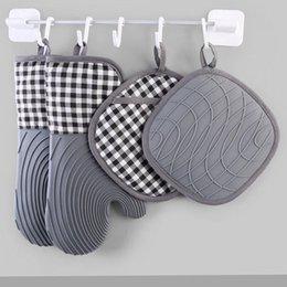 Mittas de forno de silicone e suportes de pote conjuntos com liner acolchoado resistente ao calor Cozinha luvas luvas para cozinhar assar grelhar DHL em Promoção