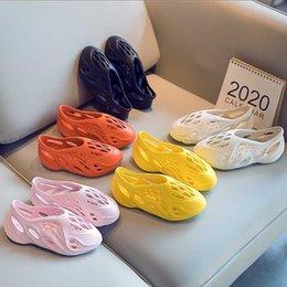 Мальчики Девочки Мода Пляж Летние Сандалии Детские Малыши Маленькие Большие Детские Складки Бегун Легкие Обувь Beam Bignning Y201028 на Распродаже