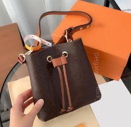 Wholesale 2021 Classic all-match lady Fashion Bags Luxurys Designer Shoulder Handbags Letter women Classics Versatile Bucket Bag Draw cross body handbag