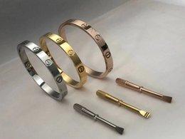Bracelet en or rose plaqué or élégant en acier inoxydable 18K pour femmes et hommes avec tournevis Bijouterie sac original en Solde