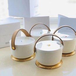 Aromatherapy IV Parfum Bougie Fragrance 220g Dehors II NEIGE FEUILLES D'OU LLE BLANCHE L'AIR DU JARDIN AVEC BOÎTE DE CADEAU SCELLÉ en Solde