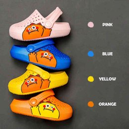 toddler slippers UK - Summer Kids Shoes for Boys Girls Solid Light Non Slip Children Cartoon Shoes Toddler Indoor Home Beach Slippers Sandals A0514