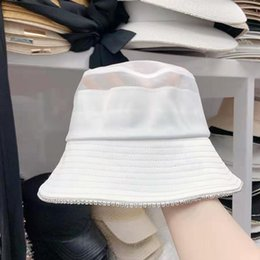 Discount summer sun dresses Classic letter Net yarn Bucket Hat High quality Outdoor Dress Hats Wide Fedora Sunscreen Cotton Fishing Hunting Cap Men Basin Chapeau Sun vi