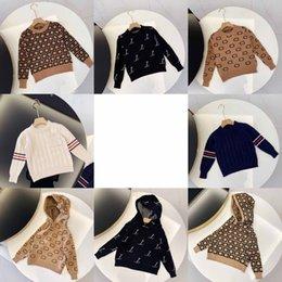 キッズファッションセーター男の子女の子ユニセックスベビープルオーバー秋冬スウェットシャツ子供暖かい手紙プリントセータージャンパー服8スタイル