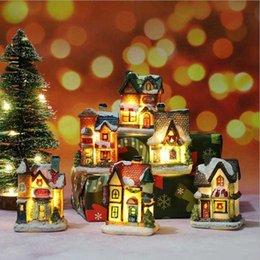 Опт Рождественские украшения Светодиодная Игрушка Смола Небольшой Дом Микро Ландшафт Замка Украшения Рождественские подарки Игрушки