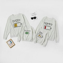 matching couple outfit 2021 - Daddy Mommy Daughter Son Battery Printed Hoodies Family Look Matching Clothes Outfit Long Sleeve Couple Tshirt For Parent-Child 210418