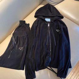 [ Promo code:OCTEU06 ]21 ss Damenanzug Klassische Strickjacke Hoodie Einfache Freizeit-Hose Mode Trainingsanzug High Streemt Element Damen Kleidung Größe S-L im Angebot