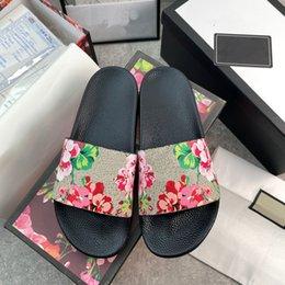 2021男性女性サンダルデザイナーシューズ高級スライド夏ファッションワイドフラットスリッパ厚いサンダルスリップフリップフロップサイズ36-48