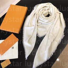 Wholesale 2021 Scarf Designer Fashion real Keep high-grade scarves Silk simple Retro style accessories for womens Twill