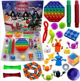 Vente en gros Favoris Favoris 24pc Set Christmas Fidget Toys Avent Calendrier Box Cadeaux Cadeaux Dégompression Decompression Toy Soft Squeezf Squeezfing Formation Formation Novelty Cadeau GGA3890