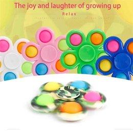 Wholesale Flower Shape Fidget spinners bubble poppers board Spinner toys DNA rainbow push pop spinners finger fun kids adult stress relief toy Desktop Poo-its Bubbles G4U12ME