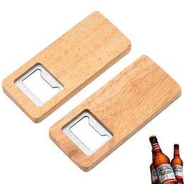 Abridor de garrafa de cerveja de madeira Operador de madeira Saca-rolhas de aço inoxidável abridores quadrados bar acessórios de cozinha HH21-427 em Promoção