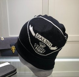 Großhandel Hohe qualität Eimer Hut für Männer Frauen Strickkappe mit Buchstaben Mode Baumwollmischung Beanie Winter Ohr Muffen Kappen Hip Hop Stingy Rand Hüte