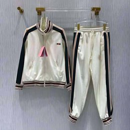 Venta al por mayor de Chándal de mujer Terry Hoodie con juegos de pantalones impresos para lady track traje moda chaqueta de alta calidad conjunto de dos piezas tamaño s-l
